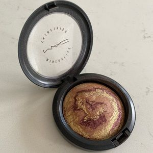 Mac Cosmetics mineralized skin finish